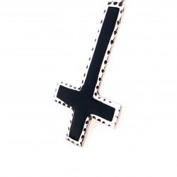Přívěsek  stříbrný  - Obrácený kříž s černým smaltem velký